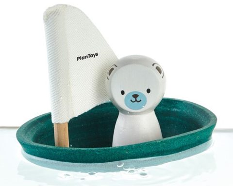 Badeleg i træ, Isbjørn i sejlbåd, Plantoys