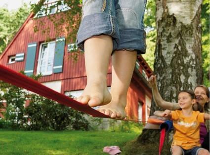 En sjov aktivitet til feriedagene: Slackline Balancetræning