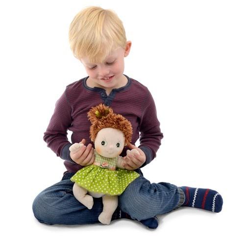 Barn-med-Cutie-docka
